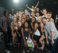 Lamorne Morris hangs with the Top 18 dancers of Season 11!