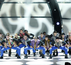 The Top 20 dancers perform a group routine choreographed by Sonya Tayeh.
