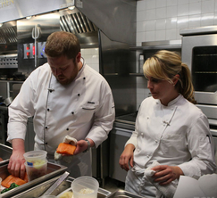 Sous Chef Andi helps Jason through the 1 hour challenge in the Season Finale of Hell's Kitchen.