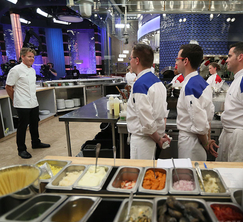 Chef Ramsay briefs both teams about tonight's dinner service.