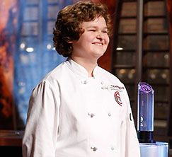 13-year-old Alexander and 12-year-old Dara will each create a three course dinner in just 90 minutes.