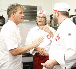 Chef Ramsay tries to diffuse the situation when things between Cutter and Leslie heat up.