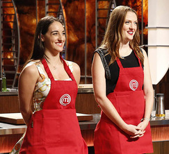 After having the best dish in the last challenge, Courtney gets to choose her teammate for the next challenge.