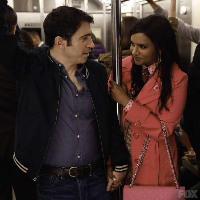 Mindy and Danny spend time seeing the sights of New York together.